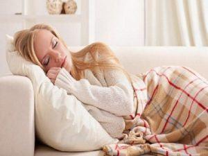 Thói quen ngủ sử dụng gối quá cao