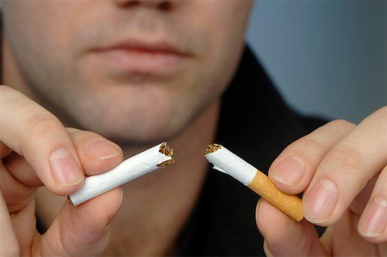 Không uống rượu, hút thuốc lá khi bị hen suyễn